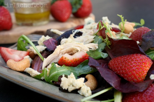 Chicken, Strawberry, & Tarragon Salad w/ Cashews & Cashel Blue | www.girlichef.com