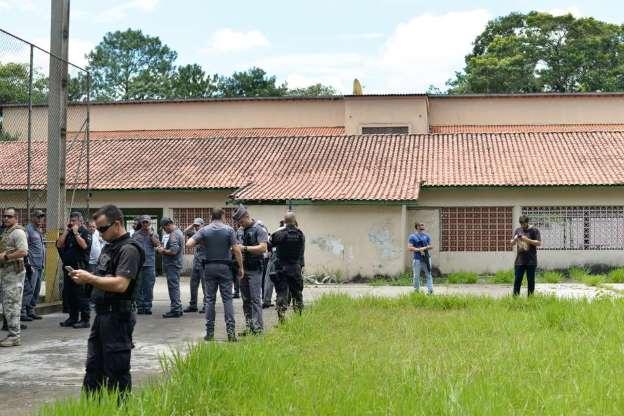 BBUIX66 - Veja fotos do massacre em Suzano