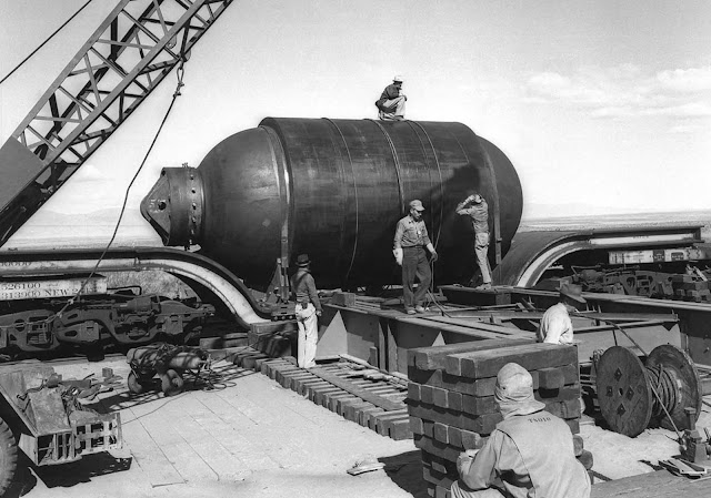 umbo, a 200-ton steel canister designed to recover the plutonium used in the Trinity test in the event that the explosives used were unable to trigger a chain reaction. In the end, Jumbo wasn't used for recovery, but was placed near ground zero to help gauge the effects of the blast. It survived intact, but its support tower did not.