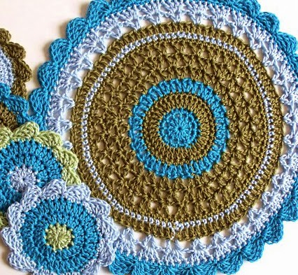 free crochet patterns, doily, doiley, placemats, how to crochet,