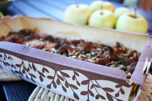 uunikaurapuuro puuro omena pähkinät siemenet