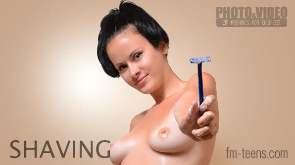 FM-Teens9-12 fm-40-89 Madeleine - Shaving 03250