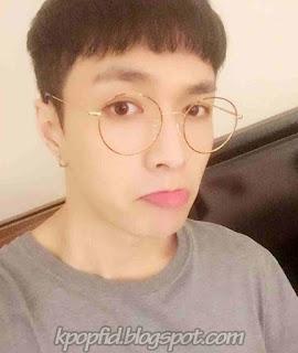 Foto Cute dan Imut Lay EXO Memakai Kacamata