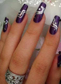 Blinged-Out-Graffiti-Nail-Art-Designs