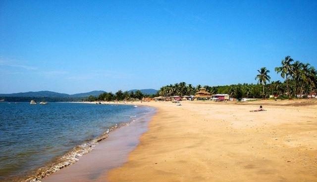 Agonda beach is the famious beach of Goa.