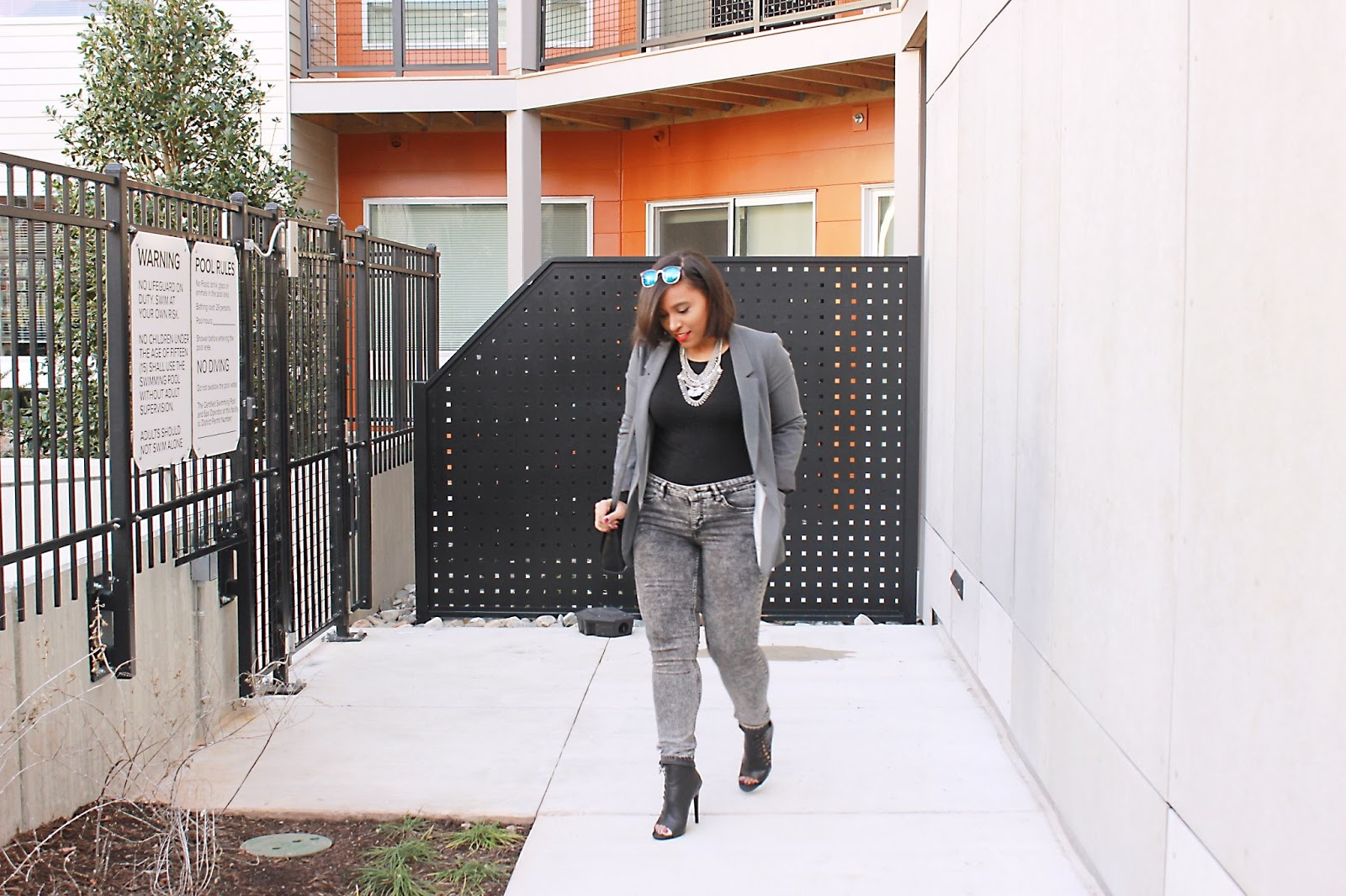 grey blazer, forever21 blazer, boyfriend blazer, outfit, black and grey