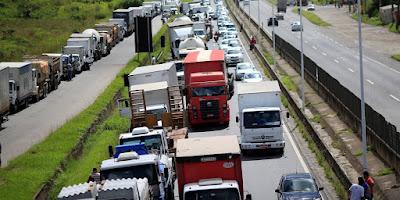 Governo de SP prepara ação contra a União por greve dos caminhoneiros