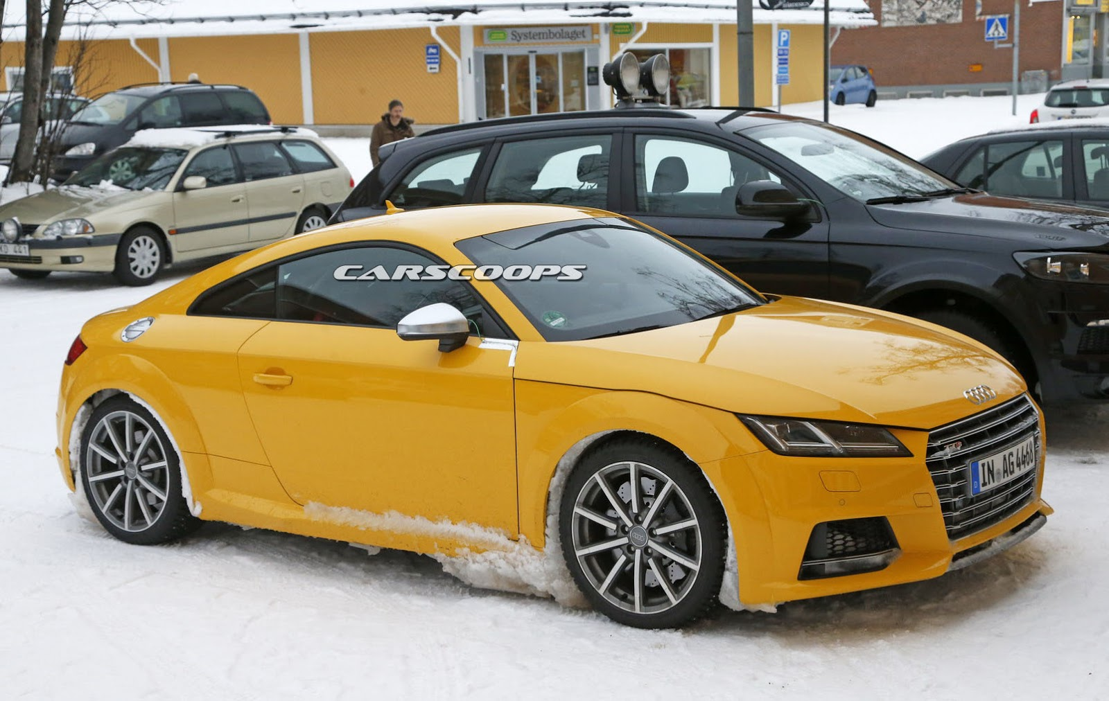 audi spied testing new tt rs with manual gearbox carscoops. Black Bedroom Furniture Sets. Home Design Ideas