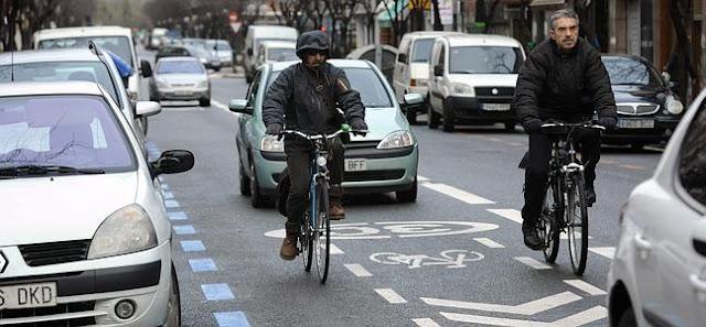Respeta peatones, ciclistas y motociclistas