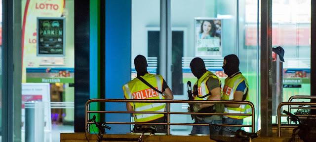 Matanza en Munich, Alemán 18 años origen iraní mata 9 personas y se suicida