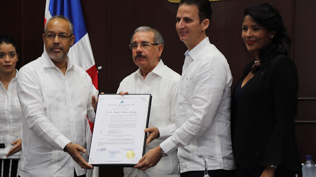 Con gran júbilo, declaran a Danilo Medina hijo adoptivo de Puerto Plata