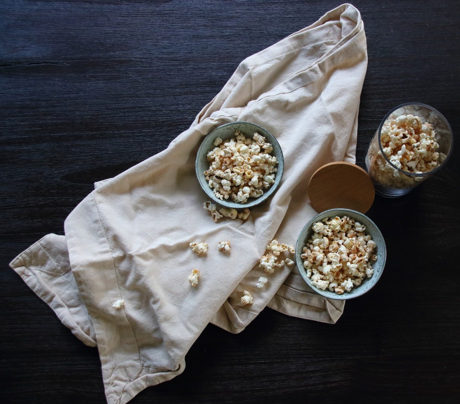 Designedlifeblog.blogspot.com Baked caramel speculaas popcorn