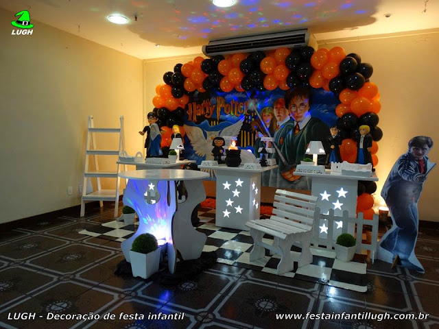 Decoração provençal Harry Potter para ornamentação de festa de aniversário infantil.