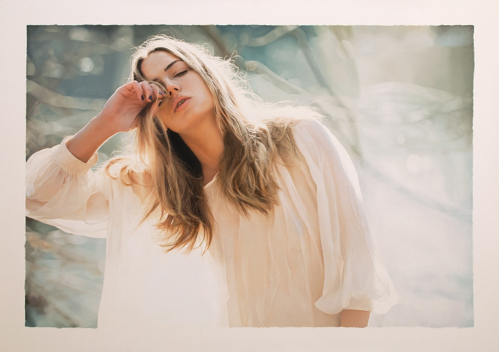 12-Fiction-of-Distance-Yigal-Ozeri-Realistic-Photo-like-Oil-Paintings-www-designstack-co