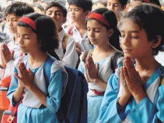 संस्कृत को बढावा देने के लिए श्लोकोच्चारण प्रतियोगिता।