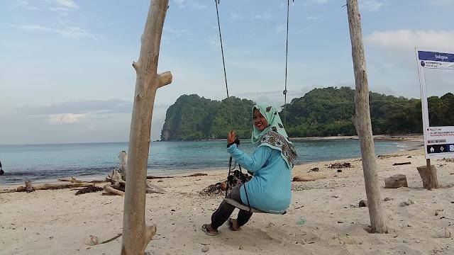Explore Pulau Sangiang Banten