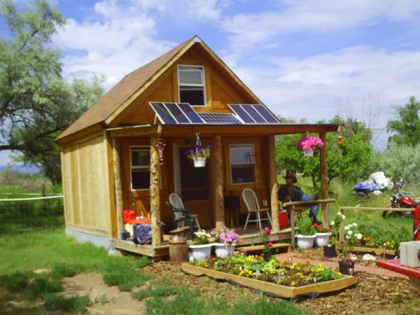 How To Build A 14 × 14 Solar Cabin For Under $2000