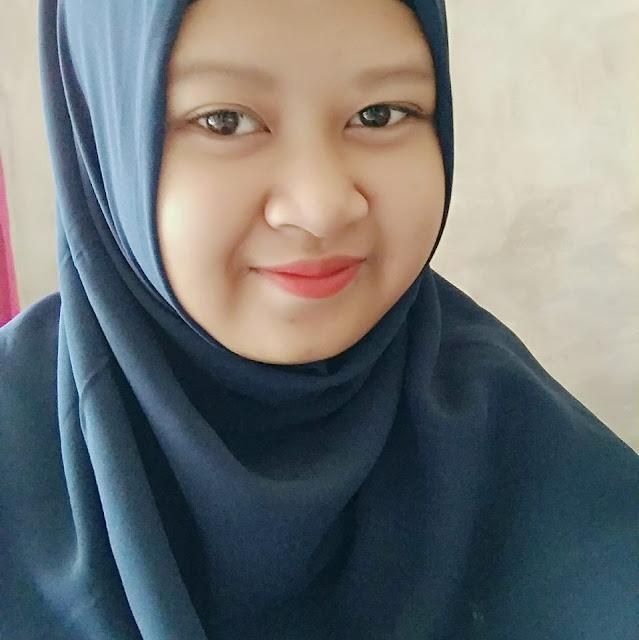 Sofa Seorang Gadis, Beragama Islam, Suku Sunda, Di Kota Sukabumi, Provinsi Jawa Barat Sedang Mencari Jodoh Pasangan Pria Untuk Dijadikan Sebagai Pacar