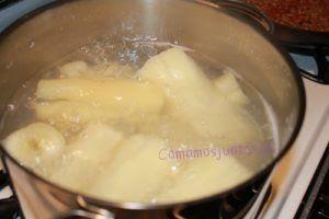 Arepas de yuca como hacer arepas de yuca asadas - Como cocinar yuca ...