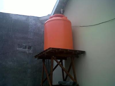 Cara Menghilangkan Lumut di Penampungan Air