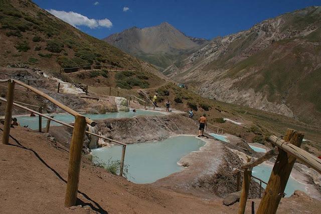 Baños Colina em Cajón del Maipo