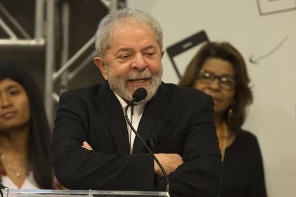 Lula declara patrimônio de R$ 7,9 milhões ao TSE