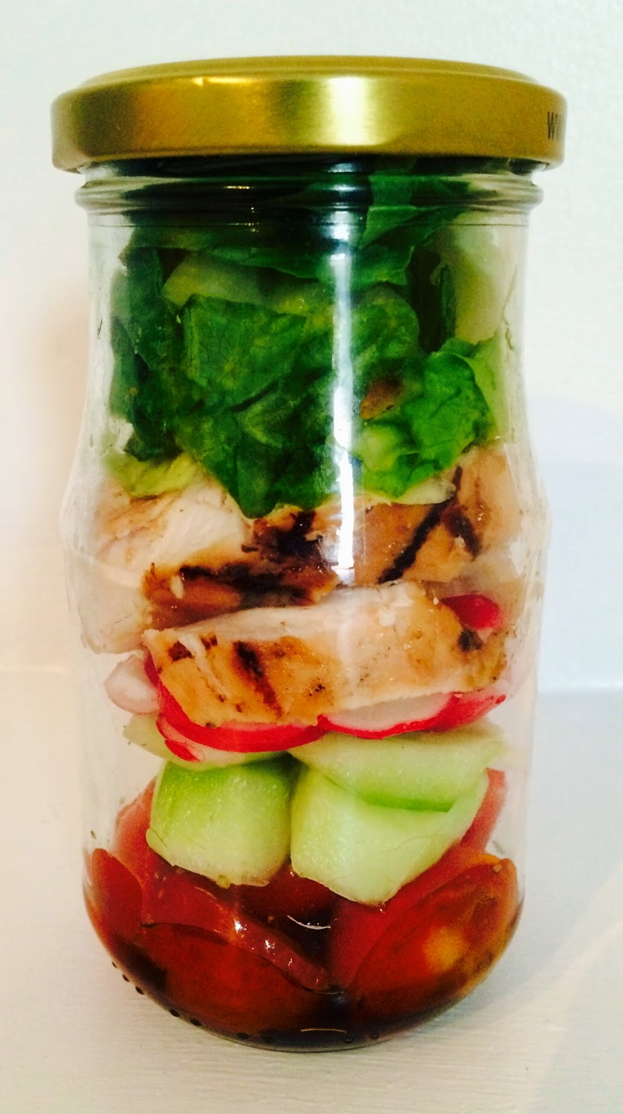 Chicken in a Mason jar, mason jar salad, salad in a jar, chicken salad, lunch idea's