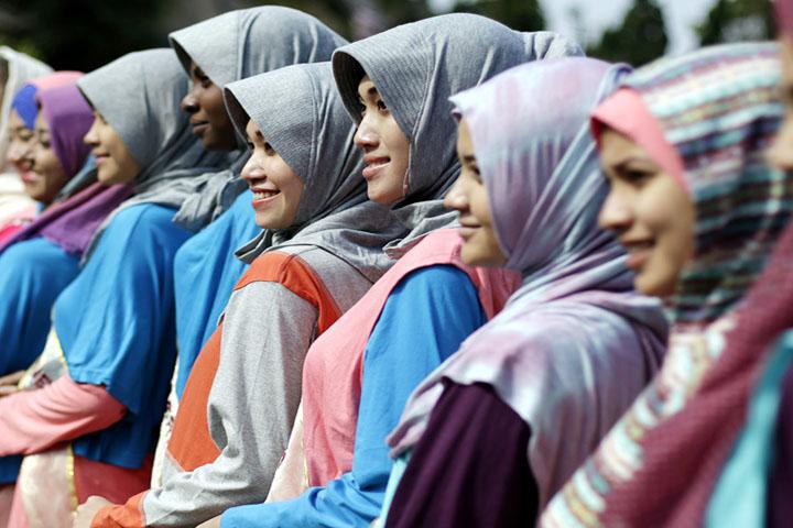Ketika Muslimah Berdandan
