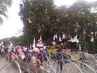 Massa Sidang Pro-Ahok Orasi Ngawur sebut Habib Rizieq Teroris Bayaran