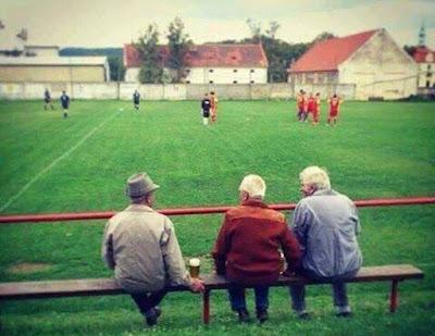 fans sepak bola