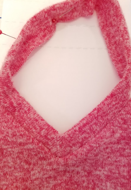 Knitting V Neck Neckband : How to sew a v neckline in knit for the cowl neck poncho