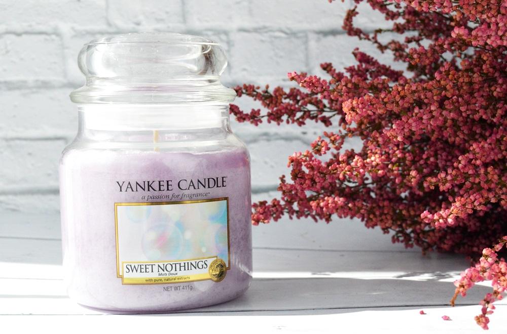 Yankee Candle - świeca o zapachu Sweet Nothings