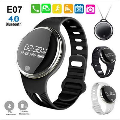 Smartwatch Lemfo E07 yang cocok untuk Traveling