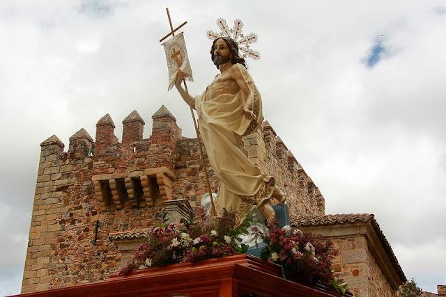 Resultado de imagen de PROCESION DEL RESUCITADO DE CACERES