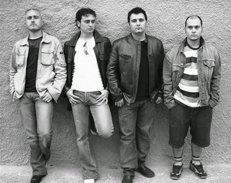 huge discount 4cd6a 69658 Grupo español de punk rock formado el año 1981 en Benetússer (Valencia),  integrado por José Manuel Casany (nacido el 2-5-1963 en Valencia, líder y  voz), ...
