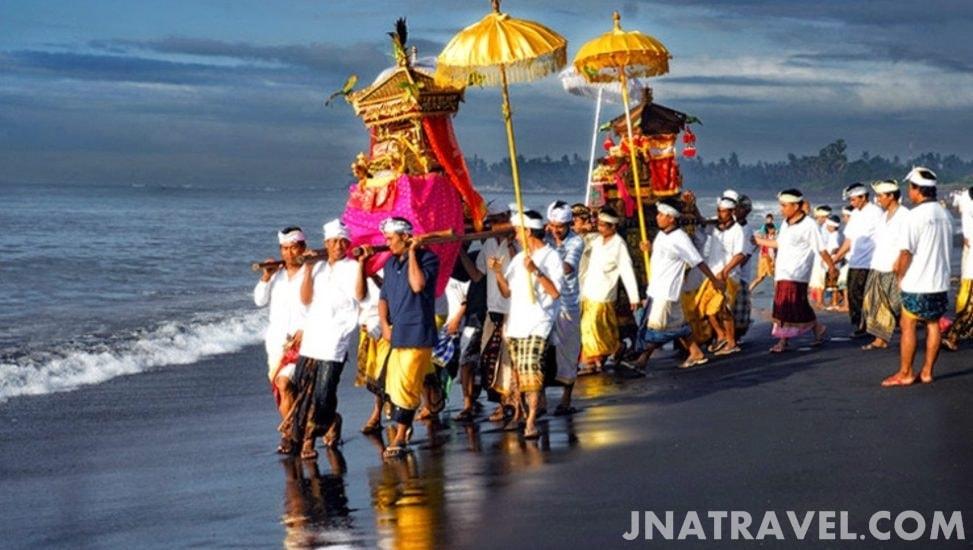 Budaya Pantai Kuta Bali