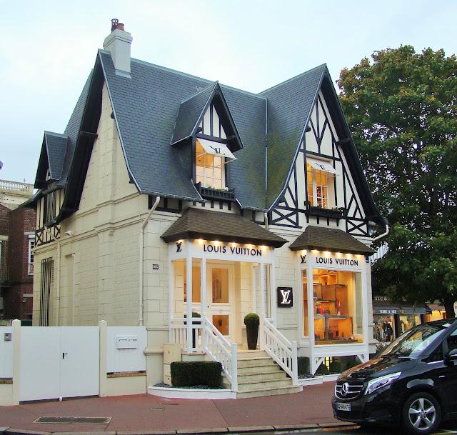 Boutique Louis Vuitton à Deauville