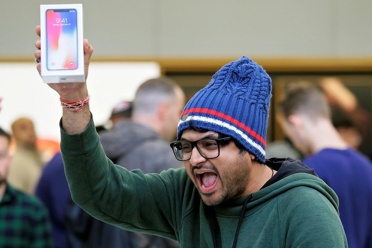 蘋果十周年新機「iPhone X」相當嬌貴。