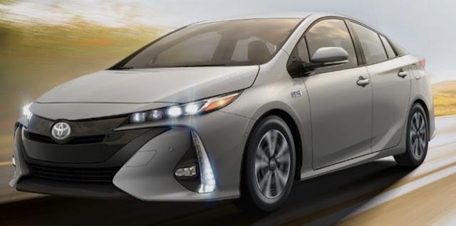 2018 Toyota Prius V Concept