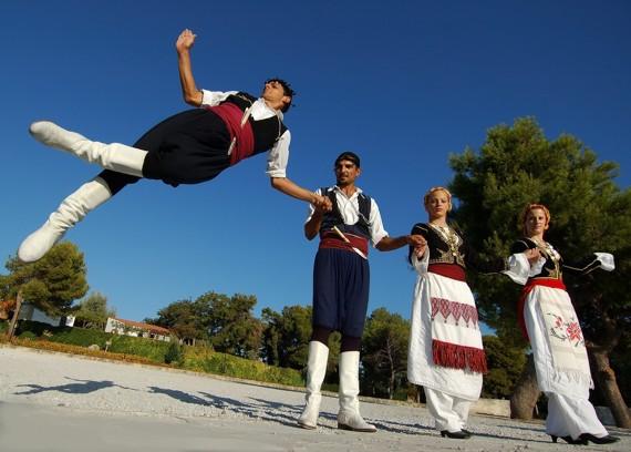 Απόβαση Κρητών στο Ναύπλιο την 25η Μαρτίου με παραδοσιακή μουσική και τραγούδι