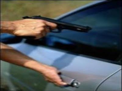 Resultado de imagem para tomado assalto carro