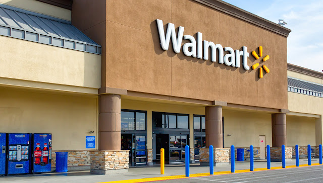 Loja de departamento Walmart em San Diego