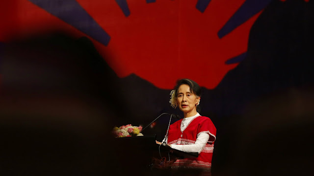 Aung San Suu Kyi está ficando sem desculpas para o seu silêncio sobre a crise no Mianmar.