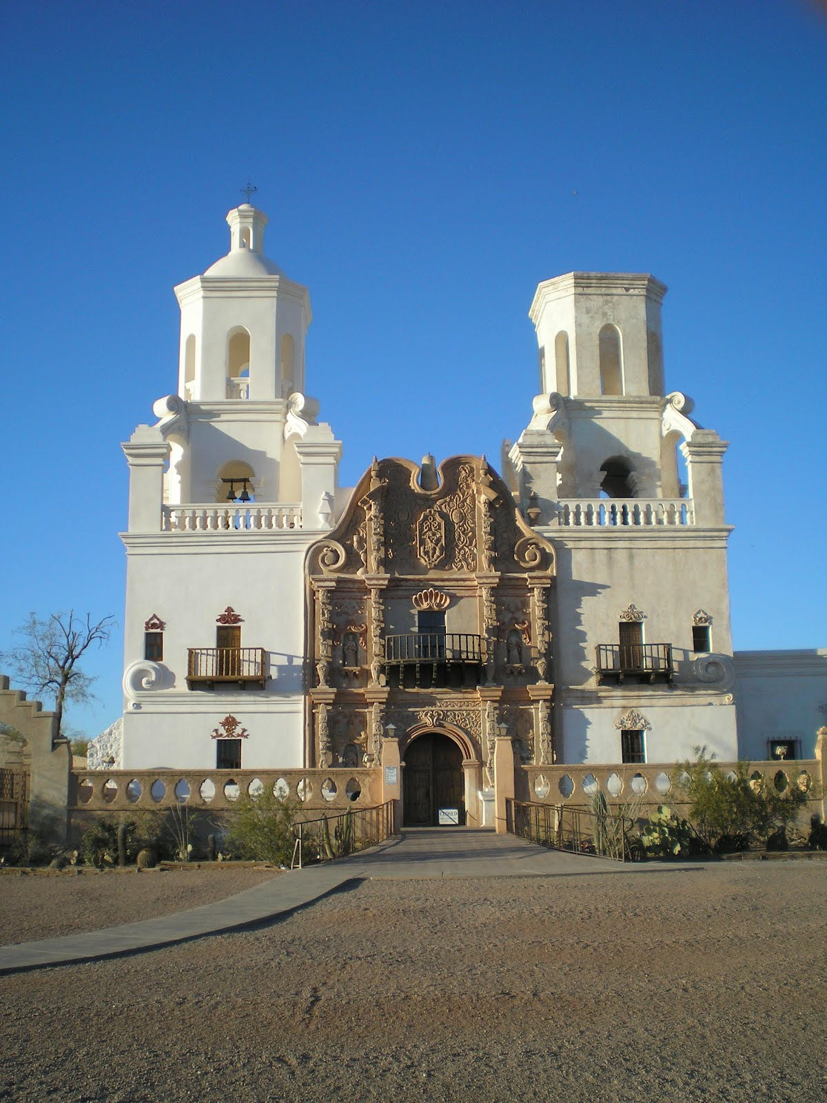 The Road Genealogist: San Xavier Mission, Tucson, AZ
