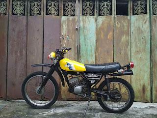 Dijual Trail Retro Yamaha DT100 1981