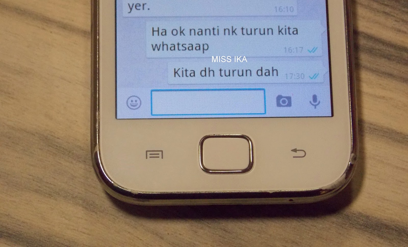 WHATSAPP HAS A NEW BLUE TICK FEATURE