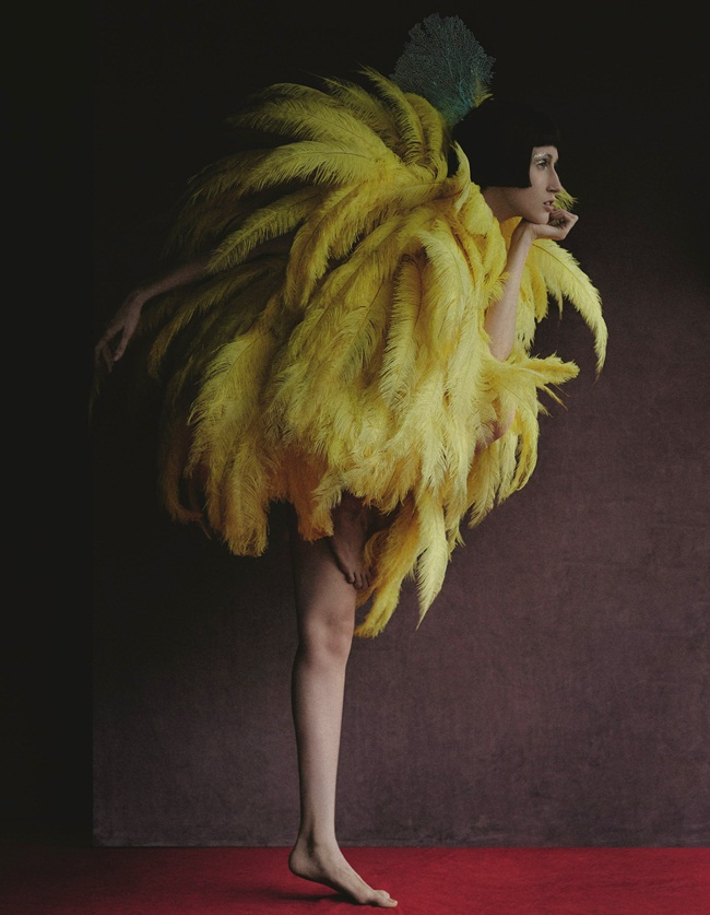 2016 SS Moschino Big Bird Yellow Feathers Dress Editorials