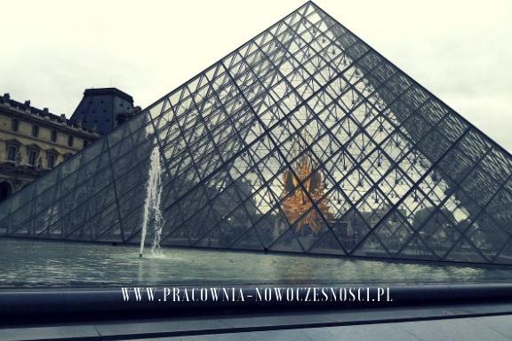 piramida paryż