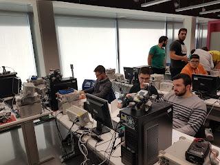 PATICIPACIÓ D'ALUMNES EN EL TALLER DE PROGRAMACIÓ AVANÇADA DE MICROROBOTS