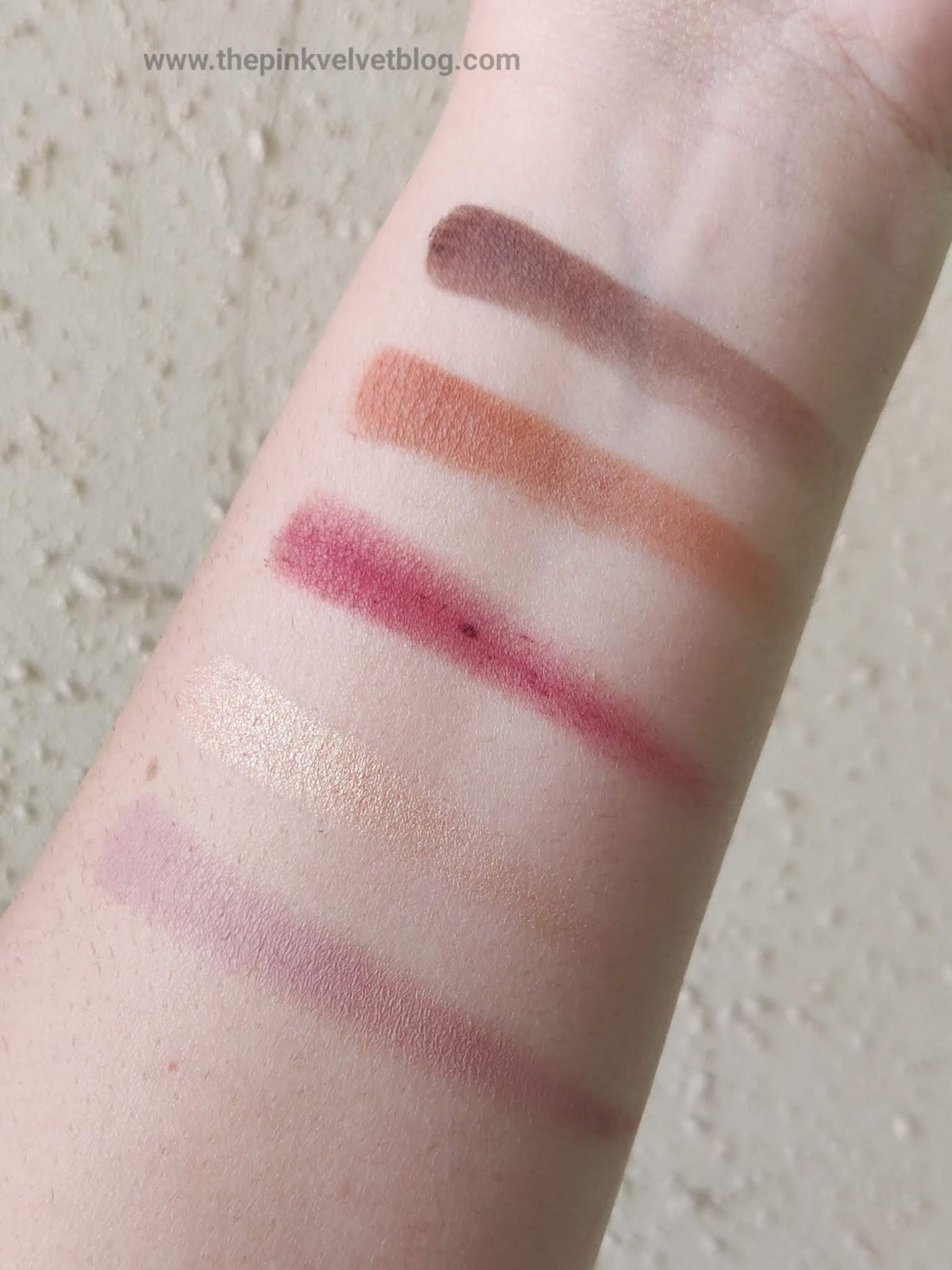 Top 5 Eyeshadow Palettes in India under Rs.1000/- and their Swatches - Wet n Wild Rose in the Air - Swatches